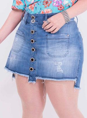 Short Saia em Jeans com Bolsos e Barra Desfiada