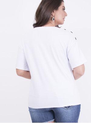 T-shirt em Malha com Detalhe em Botões Estampada com Frase: