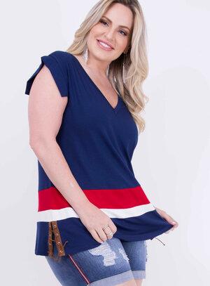 Blusa em Malha com Detalhe em Amarração no Quadril Tricolor