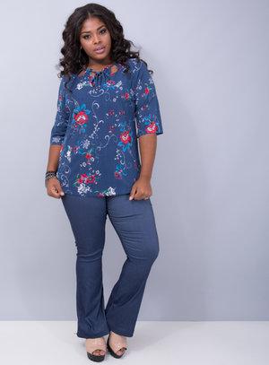 Blusa em Poliamida Canelada com Decote Vazado