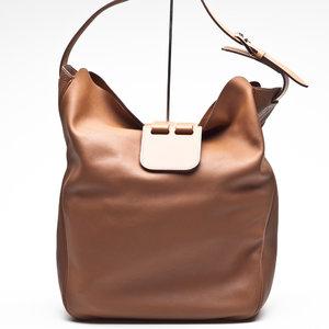 Bolsa Hermès Virevolt 30 em couro caramelo