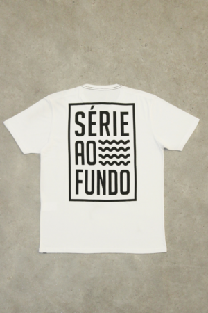 T-shirt Série ao Fundo Branca