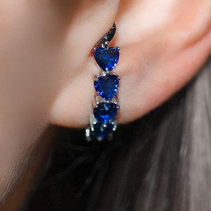 Ear Hook Hearts Safira